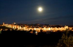 muralla de ávila de noche copia