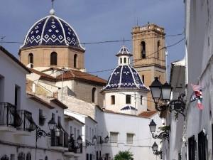 casco antiguo con la iglesia de nuesta señora del consuelo al fondo de la imagen