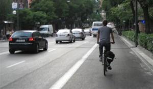 adelantar a una bici